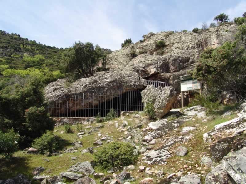 Cueva de las Sierpes