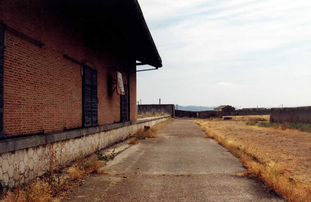 Antiguo embarcadero de ganado de la Estación al fondo