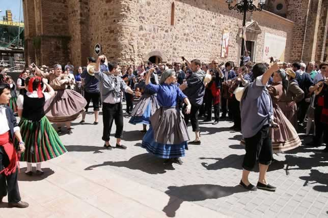 Grupo de Música y Danza Popular Balalita