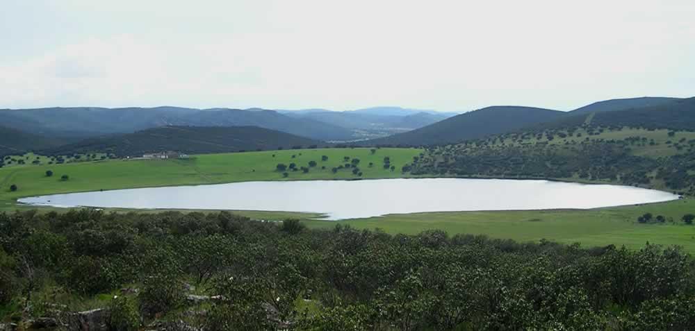 Laguna de los Lomillos