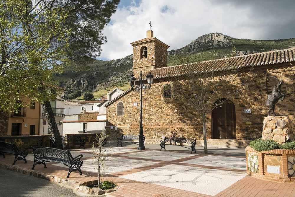 Plaza de Sierra Madrona en Solana del Pino