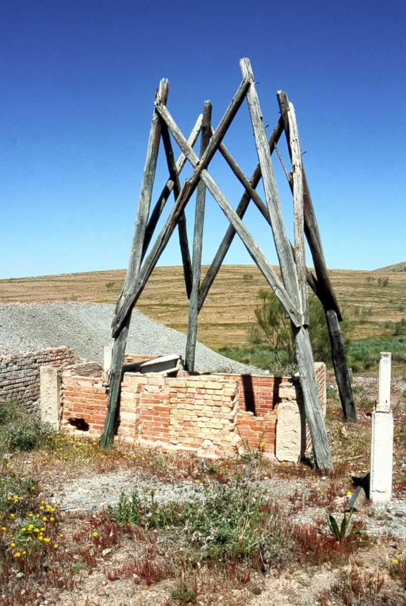 Torre de madera de la Mina La Simona