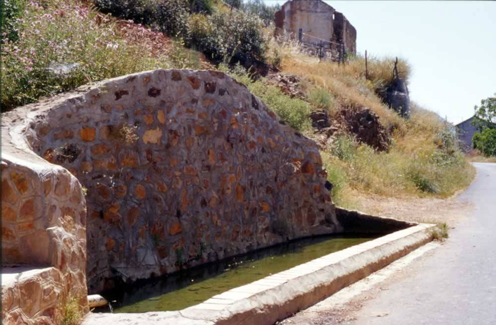 Lavadero y Pilar del Chorro